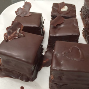 無印良品 バレンタイン手作りキット 自分でつくる ザッハトルテ チョコレートでコーティング