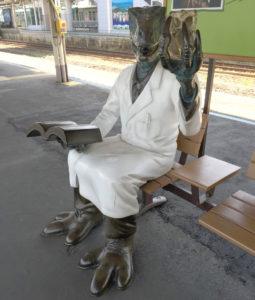 福井県 敦賀駅 恐竜オブジェ