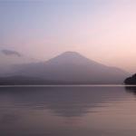 静岡一周富士伊豆箱根めぐり旅⑫夕暮れ時の富士山と山中湖の撮影スポットへ